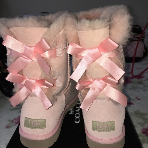 48a209851c7 NEW Light pink UGG bailey bow- avail thru 6/30